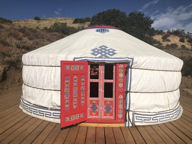 yurt-exterior_01