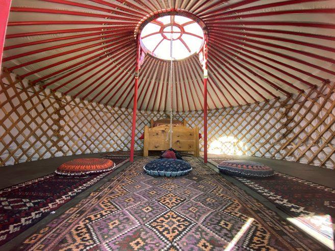 yurt-interior_02