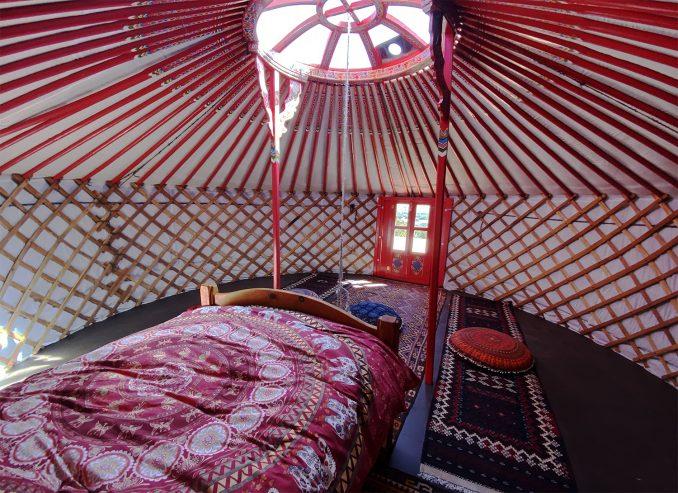 yurt-interior_03